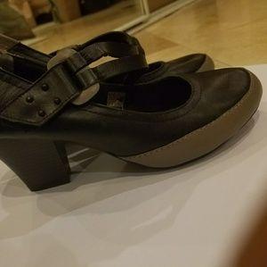 Never worn Skechers Mary Jane heels